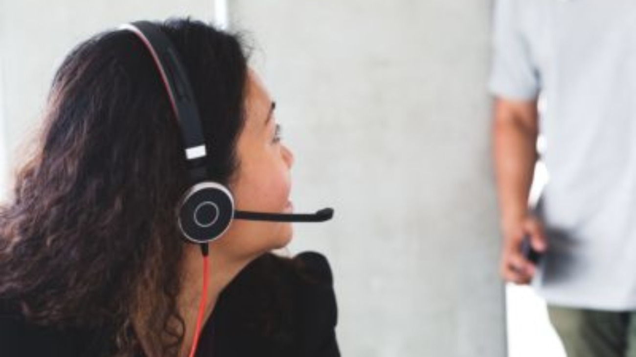call-centre-staff-with-headset_4460x4460-400x250